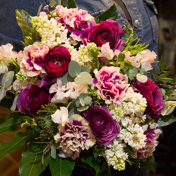 Bouquet-Aubergine-la-maison-des-fleurs-Paris-5eme-Fleuriste-2