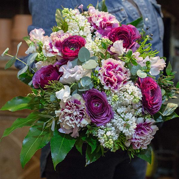Fleuriste-Bouquet-Aubergine-maison-des-fleurs-Paris-5eme