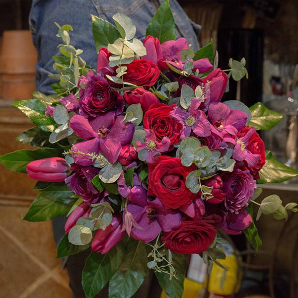 Bouquet-Fruits-rouges-la-maison-des-fleurs-Paris-5eme-Fleuriste-2