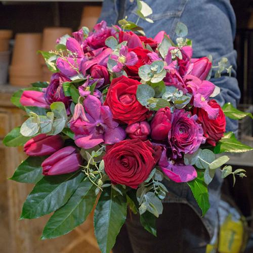 Bouquet-Fruits-rouges-la-maison-des-fleurs-Paris-5eme-Fleuriste