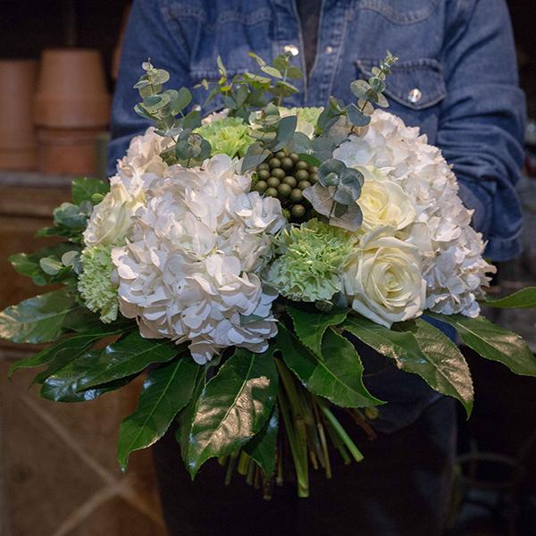 Bouquet-Nuage-maison-des-fleurs-Fleuriste-Paris-5eme