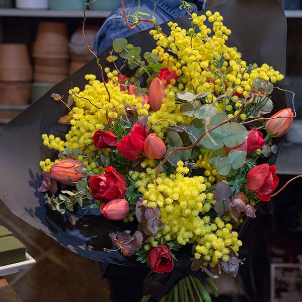 Bouquet-fuego-maison-des-fleurs-Paris-5eme-Fleuriste-2