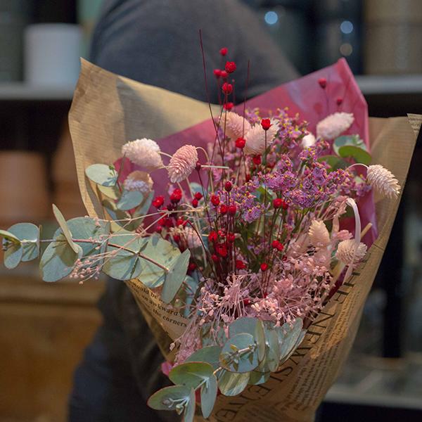 Bouquet-Fleurs-sechees-Fleuriste-paris-5eme-Maison-des-fleurs