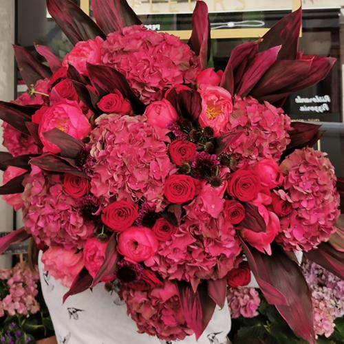 bouquet-fuschia-300€-maison-des-fleurs