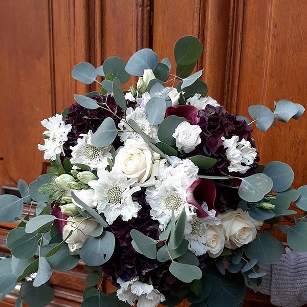Bouquet-Black-and-white-la-maison-des-fleurs-Paris5eme