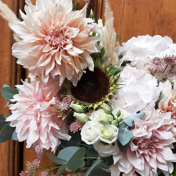 Bouquet-fin-dete-fleuriste-la-maison-des-fleurs