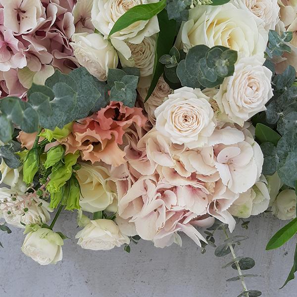Bouquet-peche-fleuriste-la-maison-des-fleurs-paris